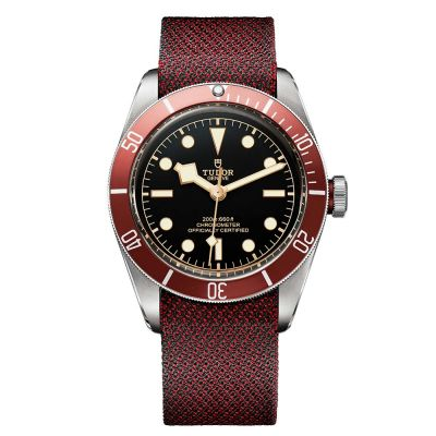 Tudor Black Bay burdeos